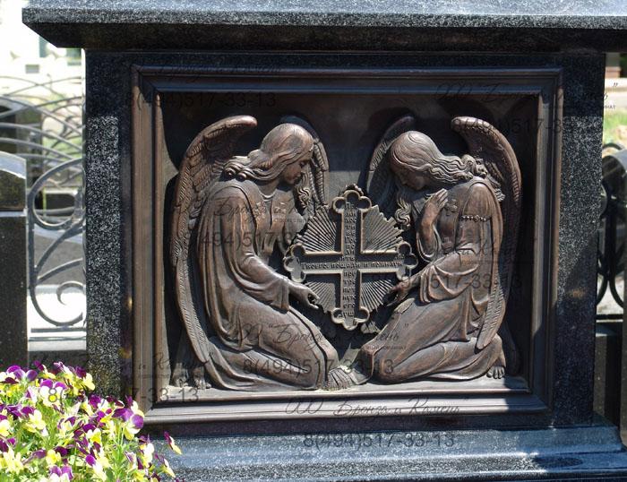 Барельеф с ангелами. Бронза.