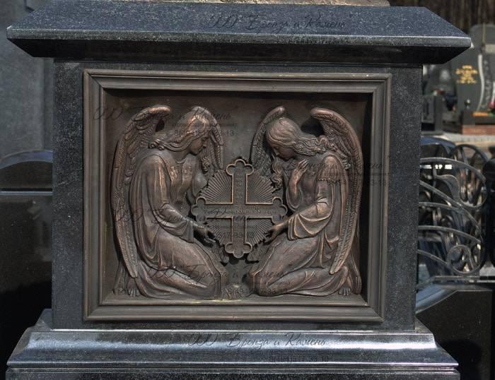 Ангел с крестом. Бронза.