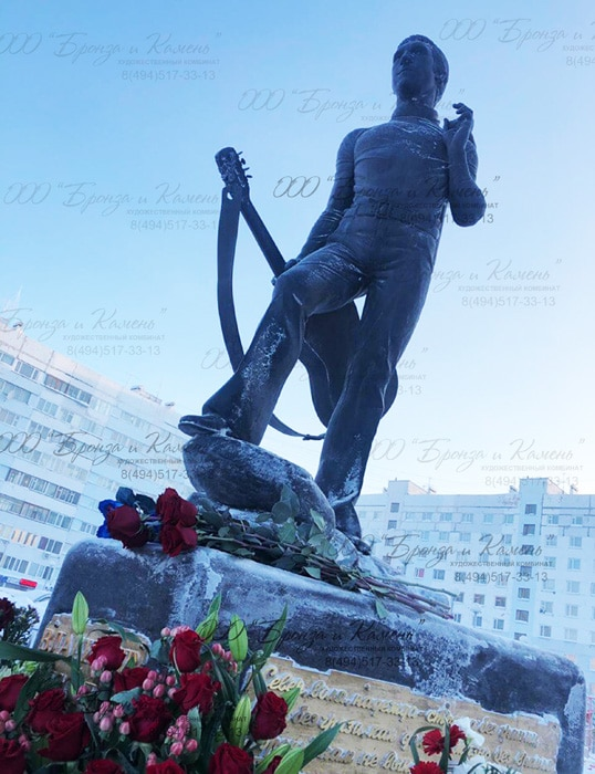Памятник стал данью уважения к творчеству Владимира Высоцкого