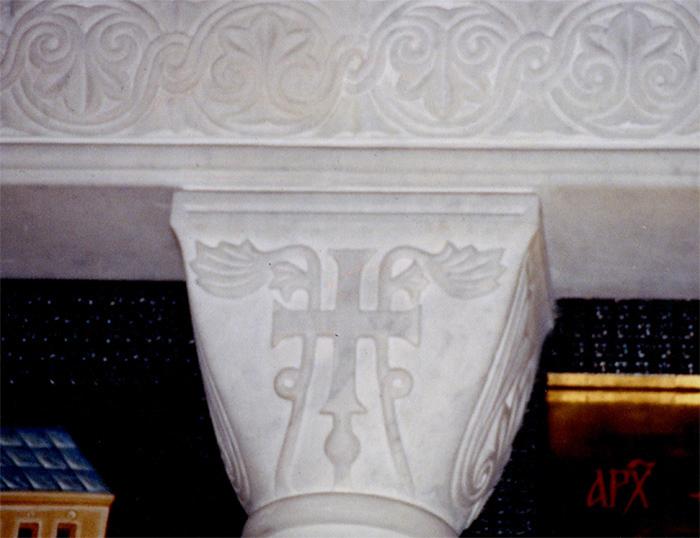 Белый камень резная капитель работа Александра