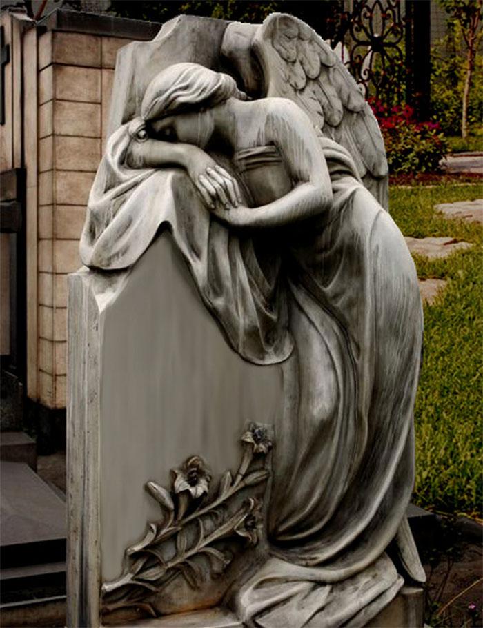 Скорбящий ангел Католический памятник