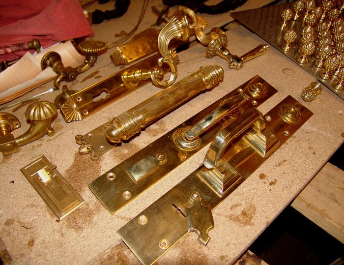 Дверные ручки латунь бронза