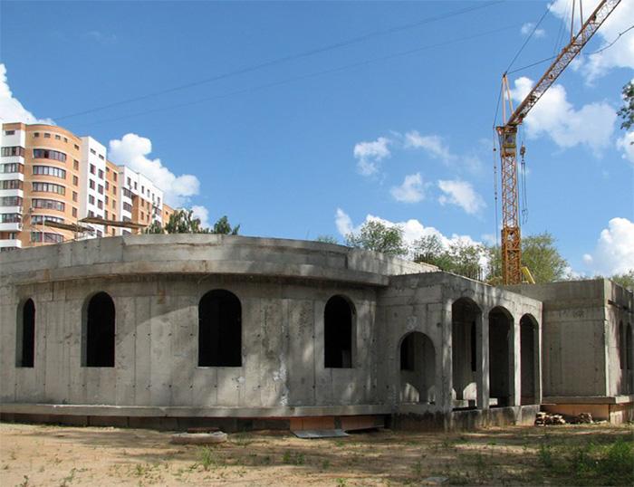 Строительство. Цокольная часть храма.