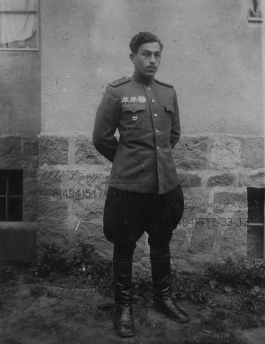 Фото Иванихин М.П. в годы войны.