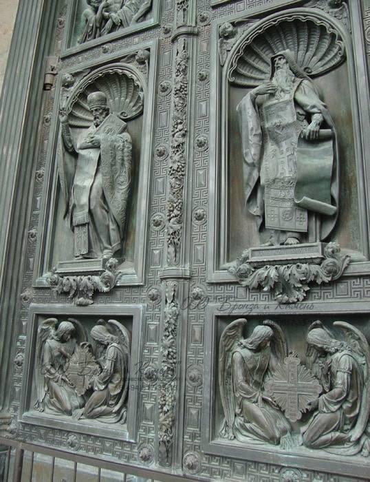 Исаакиевский сабор. Ворота.